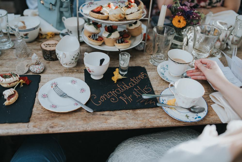 http://www.rockmywedding.co.uk/laura-helgi/